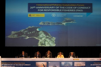 Photo of Participants in the Ministerial Round Table on Blue Growth, held as part of the first International Fisheries Stakeholder Forum in Spain in October 2015, marked the 20th anniversary of the Food and Agriculture Organization's Code of Conduct for Responsible Fisheries.