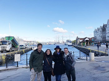 Photo of tour group in Bergen harbour, Norway